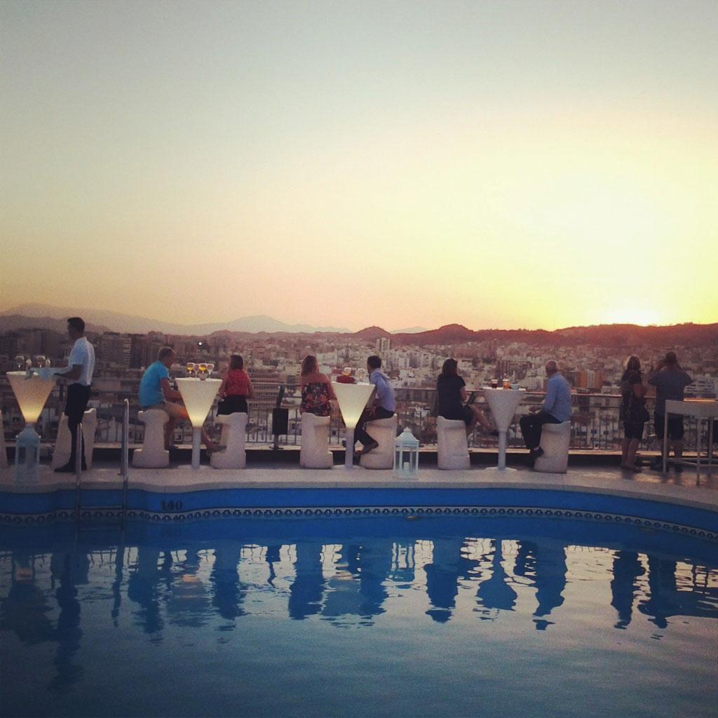 Zwoele zomeravonden bij Atico het rooftop dakterras in Malaga